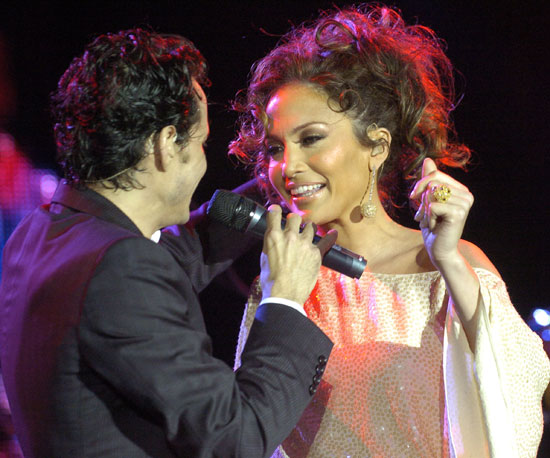 Marc Anthony and Jennifer Lopez entertained the crowd at MarketAmerica.com's post-Super Bowl party in 2007.