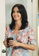 Courteney Cox as Jules Cobb in Cougar Town Style