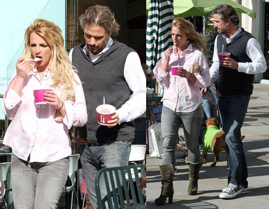 Photos of Britney Spears Getting Yogurt