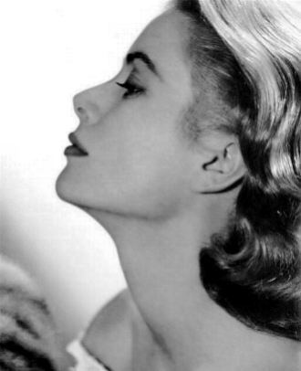 Grace Kelly at the V&A