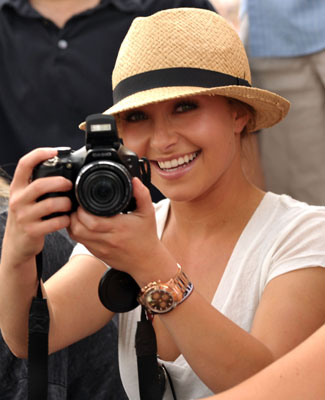 Hayden Panettiere Uses a Casio DSLR at 2010 Coachella