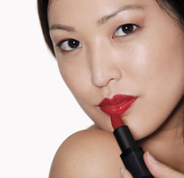 How to Prevent Lipstick From Feathering 2010-05-17 08:00:10