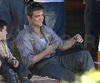 Slide Picture of Robert Pattinson Filming Water for Elephants 2010-05-21 21:04:18