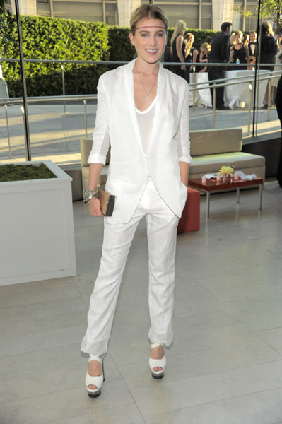Dree Hemingway worked the minimalism angle in Calvin Klein Collection.