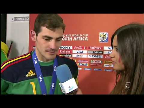 Spanish captain kisses reporter girlfriend on live tv after world cup win