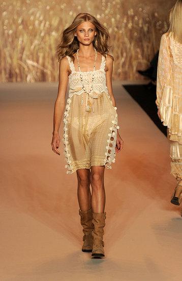 Spring 2011 New York Fashion Week: Anna Sui