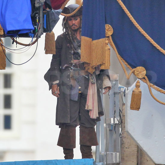 Pictures of Johnny Depp Shooting Pirates of the Caribbean 4 in London