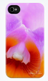 Beautiful iPhone 4 cases by Robyn Nola