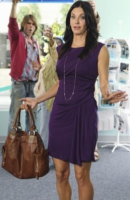 Courteney Cox's Style on Cougar Town 2010-10-20 13:00:03