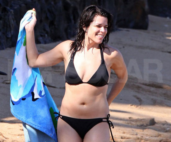 Pictures of Neve Campbell in a Bikini