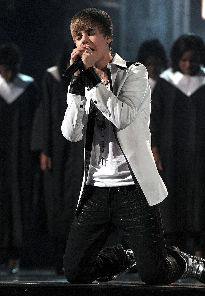 Cutie Justin Beiber wore white.