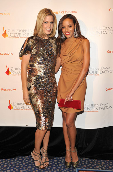Both Mary Alice Stephenson and Selita Ebanks turned up the style volume on the red carpet this week. Love the sequins and the mix of camel and red.