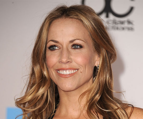 Sheryl Crow's Makeup at the 2010 American Music Awards