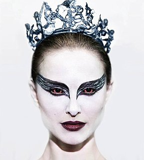 Black Swan Makeup Details, Back-to-Basics Beauty Gifts, and More