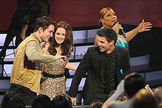 Pictures of Robert Pattinson, Kristen Stewart, and Taylor Lautner at 2011 People's Choice Awards 2011-01-05 21:04:32