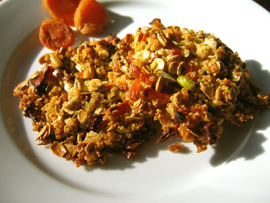Recipe For Granola Bar Cookie With Quinoa, Apricots, and Nuts