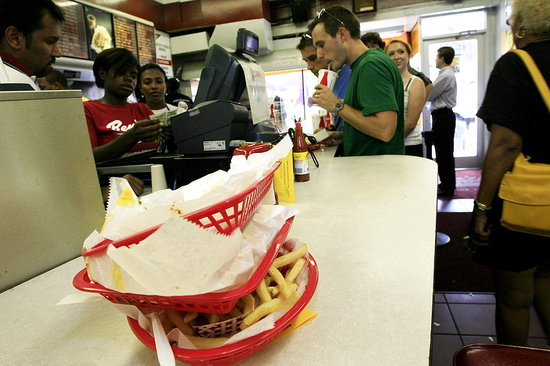 US Restaurants Could Benefit From Rising Grocery Prices