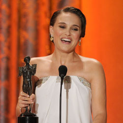 Natalie Portman Wins the Screen Actors Guild Award For Outstanding Performance by a Female Actor in a Leading Role 2011-01-30 18:46:19
