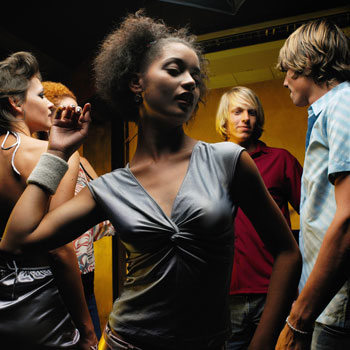 3 Expert Tips For Looking Fresh-Faced on the Dance Floor