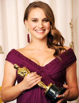 "Natalie Portman Calls Her Baby A ""Little Dancer"" In the Oscar Press Room"