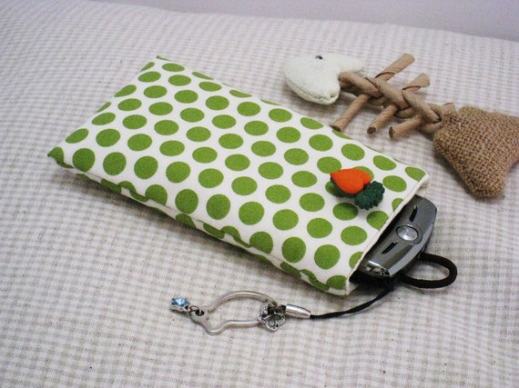 Polka Dot Carrot Case