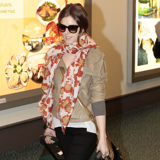 Pictures of Anna Kendrick Arriving at Vancouver Airport