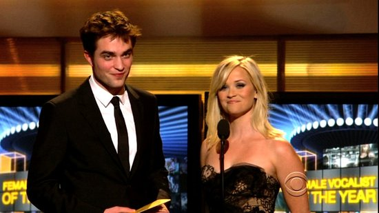 Video of Robert Pattinson and Reese Witherspoon Presenting at ACM Awards in Vegas