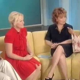Amy Poehler Does the Dougie on The View Video