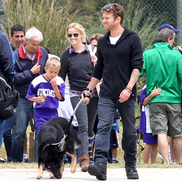 Reese Witherspoon and Ryan Phillippe Get Together to Cheer on Deacon