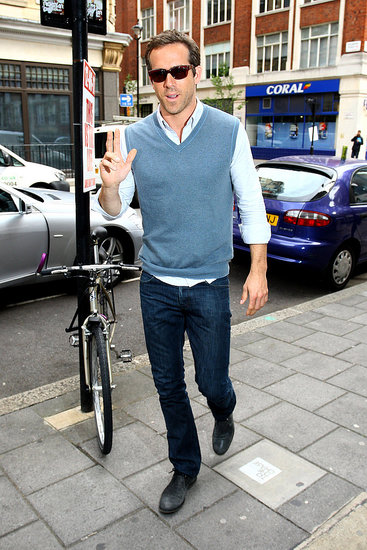 Ryan Reynolds Pictures Promoting Green Lantern in London
