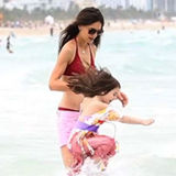 Video: Katie Holmes in a Bikini on the Beach With Daughter Suri Cruise in Miami