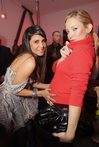 While celebrating the Scissor Sitters, Kate Hudson dressed casually in March '11.