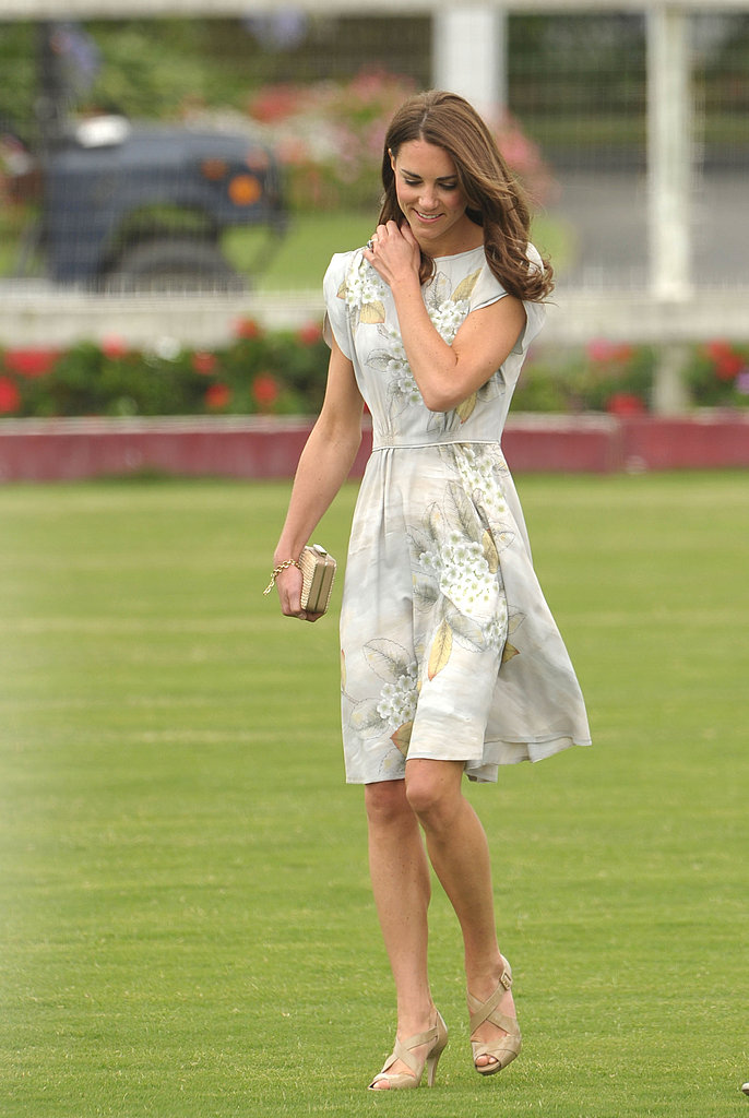 Kate Middleton once again chose nude pumps. | Prince