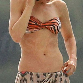 Bikini Pictures of Celebrity Abs