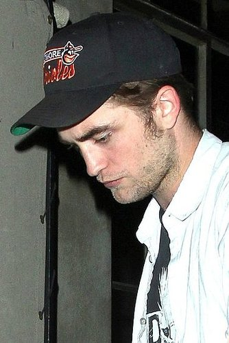 NEW Pics : Rob Leaving Chateau Marmont Last Night