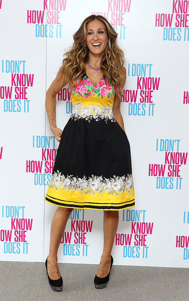 Sarah Jessica Parker wears Prabal Gurung at an I Don't Know How She Does It press event.
