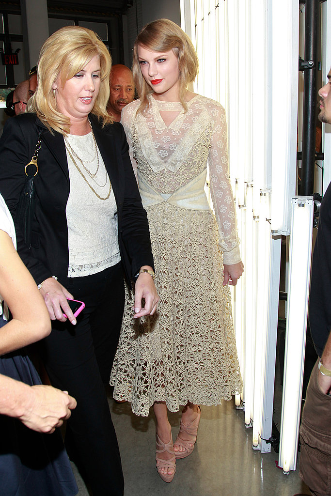 Taylor Swift in lace at NY Fashion Week.