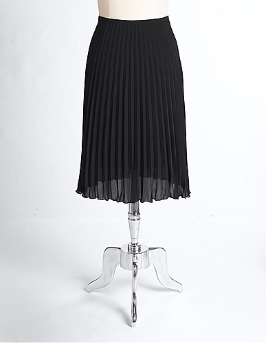 Captures the classic ladylike sensibility in a versatile, wear-everywhere black. Vince Camuto Pleated Skirt ($89)
