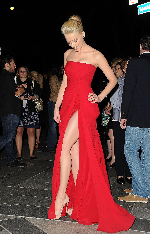 Трахает девушку в вечернем платье фото 14 фотография