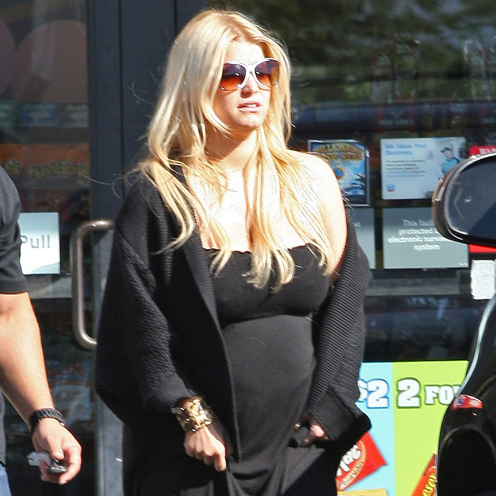 Jessica Simpson at 7Eleven in LA.