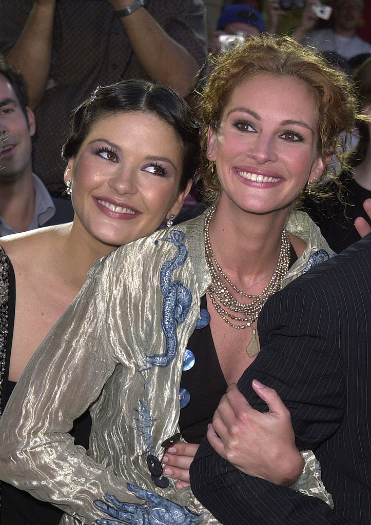 Catherine Zeta-Jones squeezed into a photo with Julia while at an America's Sweethearts premiere in 2001.