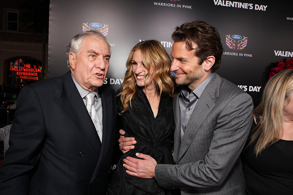 Julia joked with Garry Marshall and Bradley Cooper at the premiere of Valentine's Day in 2010.
