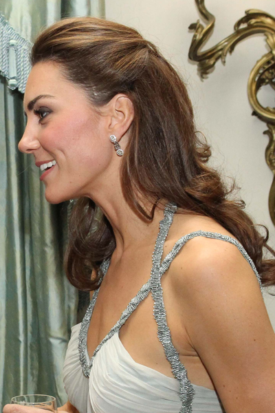 kate middletons pretty halfup halfdown hairstyle