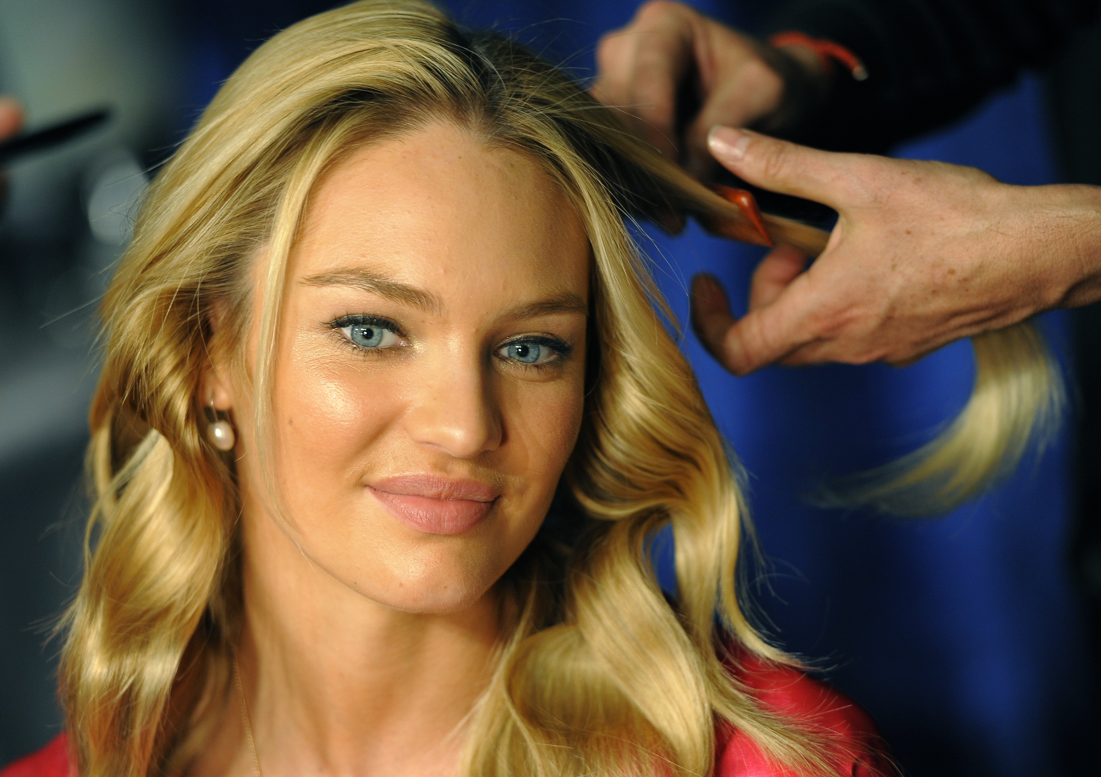 Gallery images and information: Candice Swanepoel Brown Hair Vs Blonde