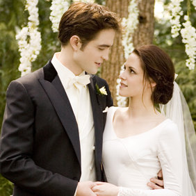 Edward and Bella Romantic Twilight Scenes