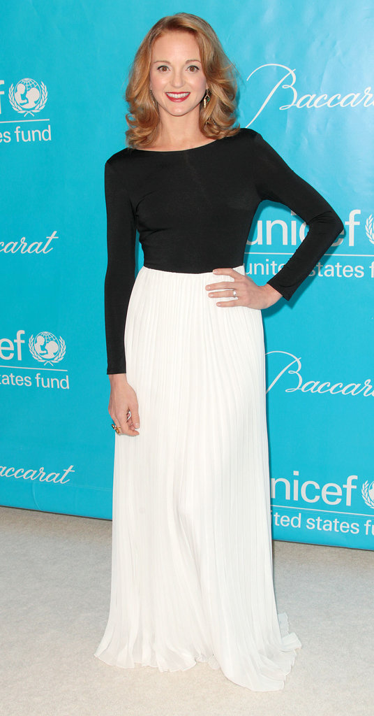 Jayma Mays went for simple black and white.