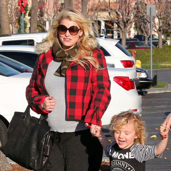 Jessica Simpson Christmas Shopping With Bronx Pictures