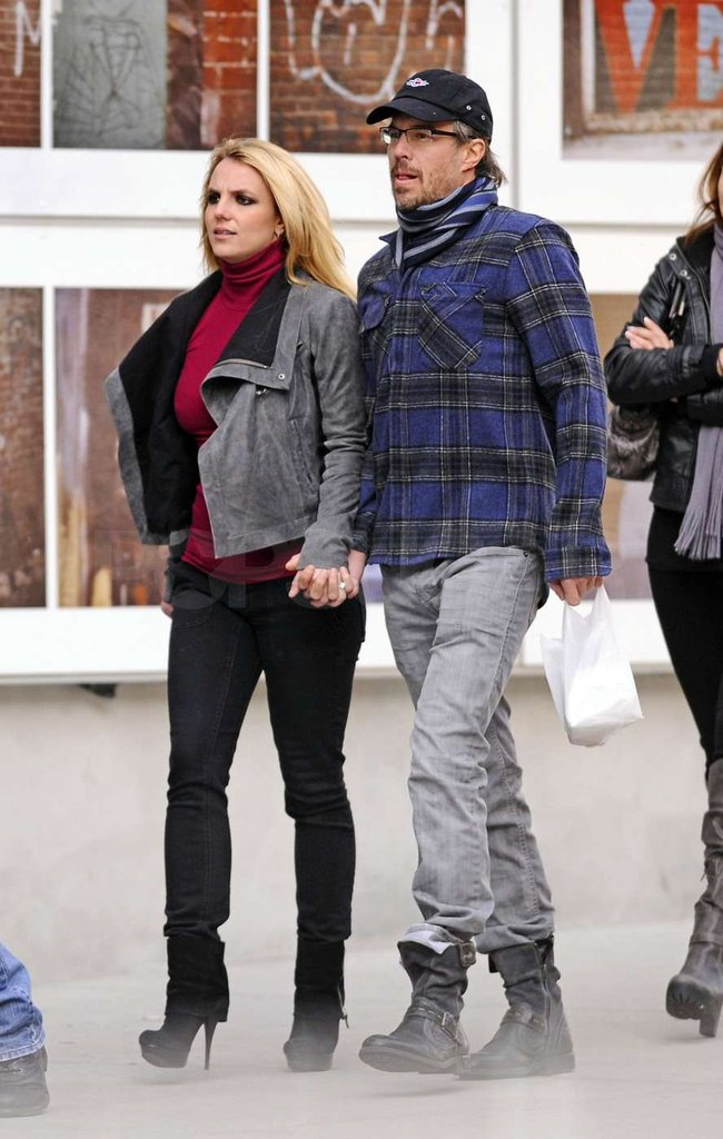 Britney Spears and Jason Trawick hit the pavement in NYC.