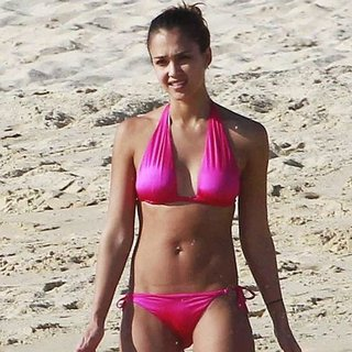 Celebrities Hit the Beach in Sexy Bikinis for Summer: Pictures of Elle Macpherson, Rosie Huntington Whiteley & Jessica Alba