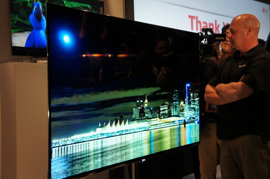 World's Largest and Thinnest OLED TV From LG